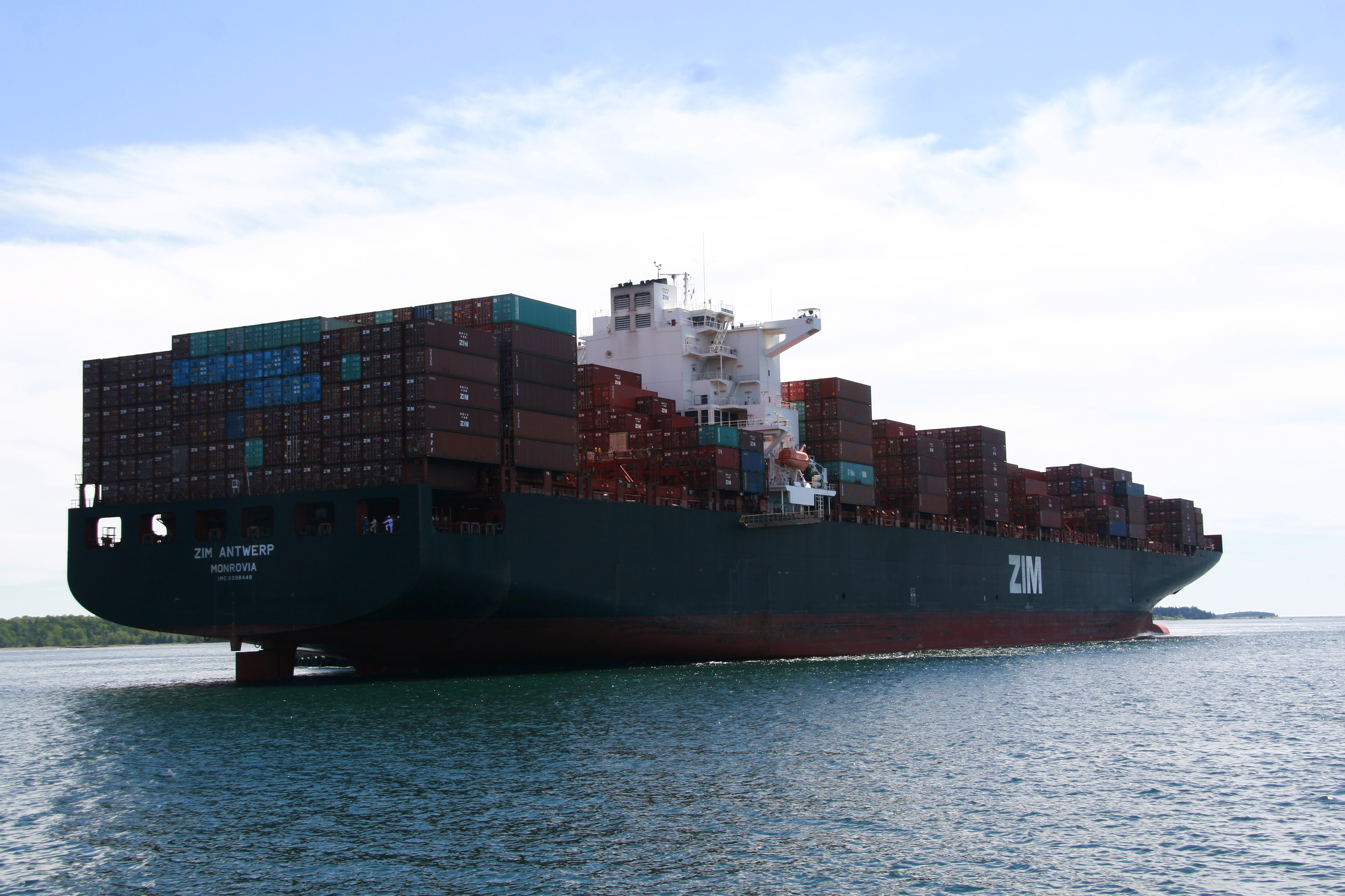Biggest Container Ship Yet, And First 10,000+ TEU | Halifax Shipping