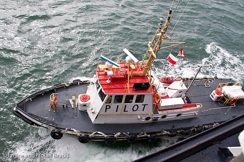 Pilot Boat at Halifax Harbour JN050579