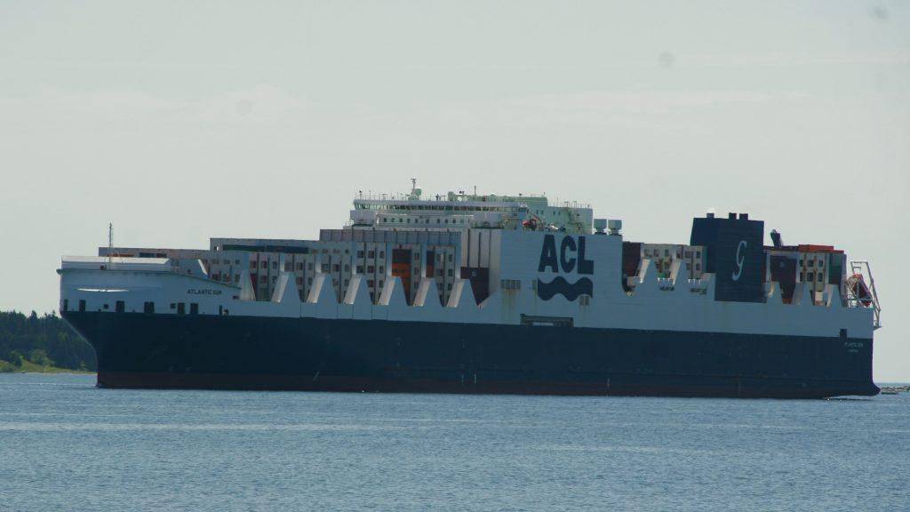 KLL Valiant Logistics nets third consecutive carrier award | Halifax